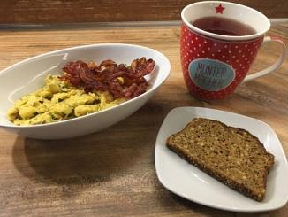 Frühstück Wochenende Rührei Bacon