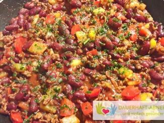 Kidneybohnen-Hack-Pfanne mit Gemüse