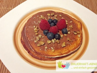 Low Carb Pancakes mit Obst