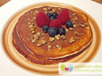 Low Carb Pancakes mit und ohne Eiweißpulver