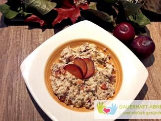 Quark-Porridge mit Pflaumen und Zimt