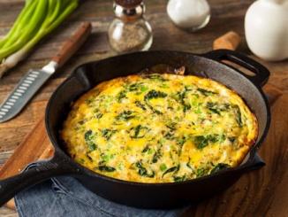 Eiweißreiches Omelette mit Spinat