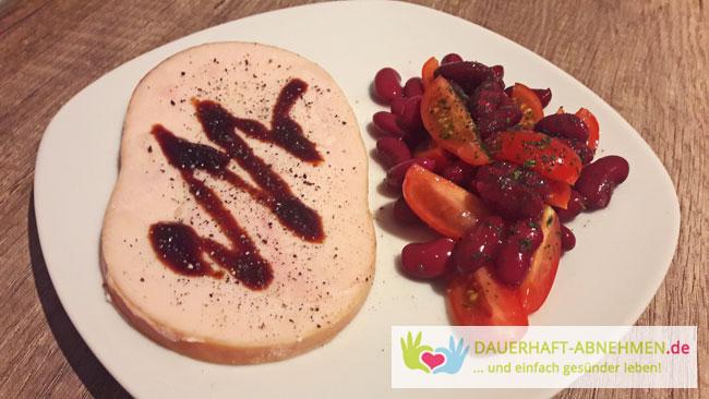 Hähnchenkasseler mit Kidneybohnen-Tomaten-Salat
