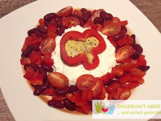 Gemüsemischung mit körnigem Frischkäse