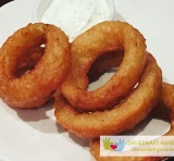 Onion Rings Mit Knoblauch-Dip