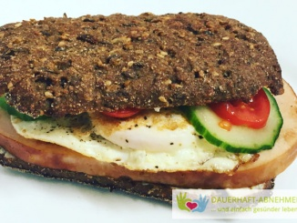Eiweißbrötchen-Sandwich