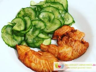 Gurkensalat mit Hühnchenfilets