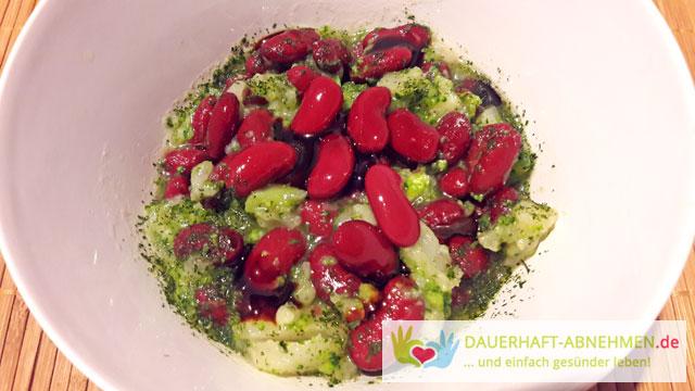 Kidneybohnen-Brokkoli-Blumenkohl-Salat