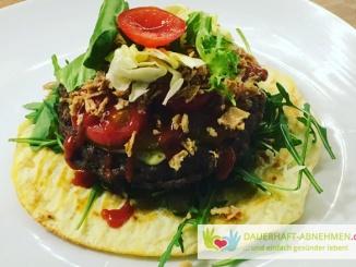 Oopsie Burger mit Salat und Rinderhack