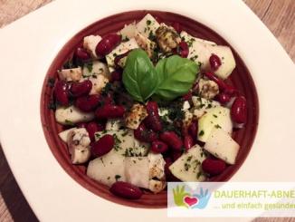 Kidneybohnen-Kohlrabi-Salat mit Hühnchen