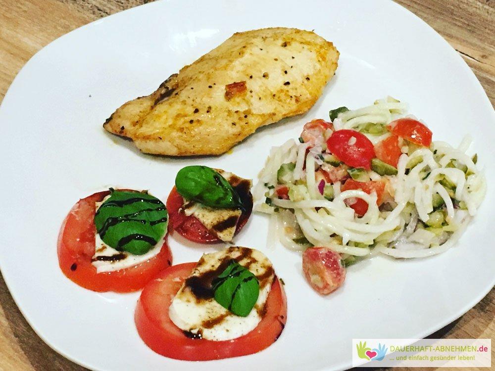 Grillen Hühnchen mit Kohlrabi-Salat