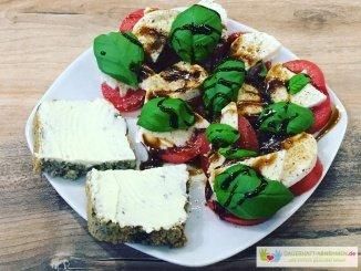 Tomate Mozzarella mit Körnerbrot