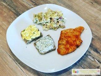 Grillen: Hühnchen mit Falschem Kartoffelsalat, Körnerbrot und Eiersalat
