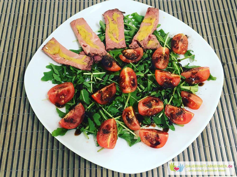 Roasted Beef mit Rucola und Tomaten