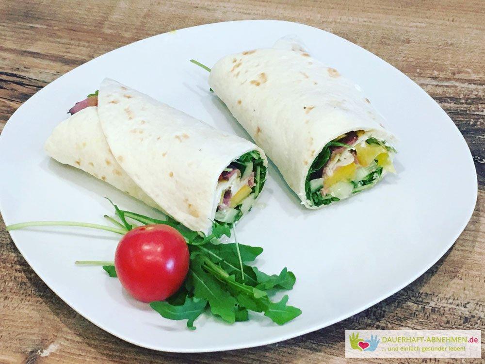 Salat-Wrap mit Rucola und Tomate