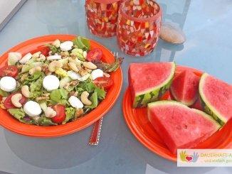 Salat mit Ziegenkäse und Melone
