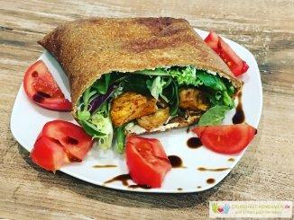 Lizza Döner mit Salat und Hühnchen