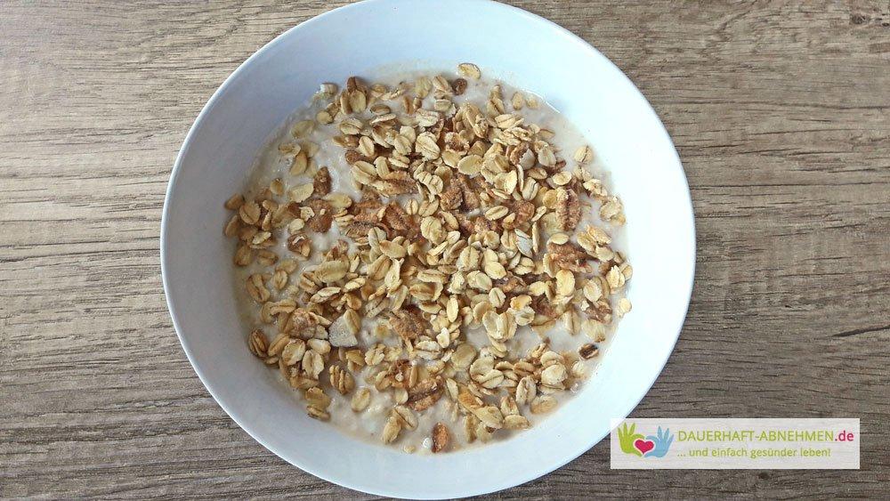 Porridge mit Müsli