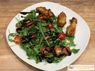 Salat mit Chicken Wings
