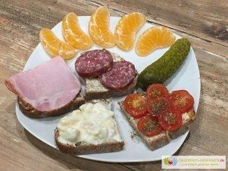 Walnuss-Honig Brot mit Belag