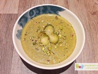 Low Carb Rosenkohlsuppe mit Curry und Kokosmilch