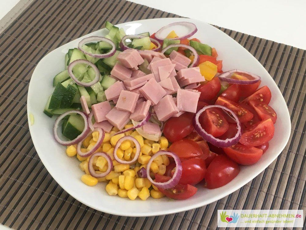 Gemischter Salat mit Hinterkochschinken