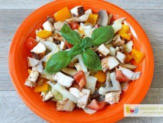 Salat mit Hähnchen und Spargel